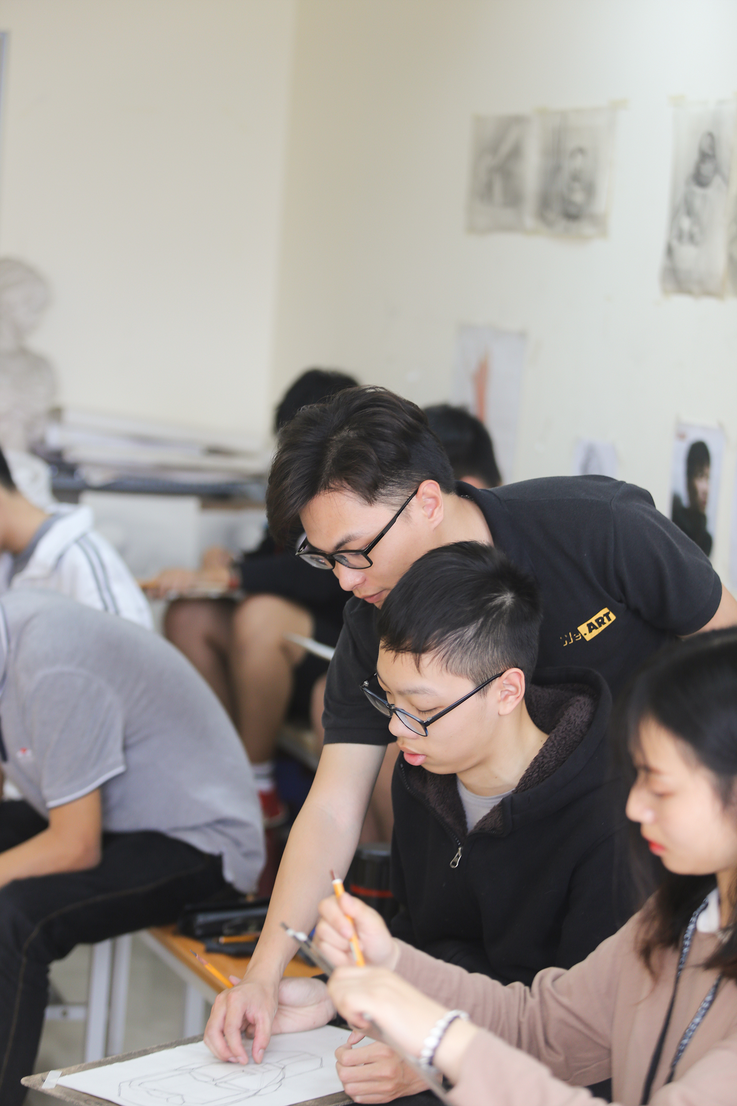 lớp học vẽ cho người lớn ở Hà Nội